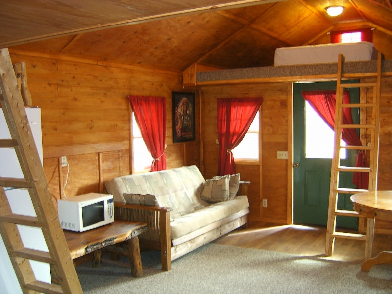 Country Cabins Motel in Chariton Iowa Has it All